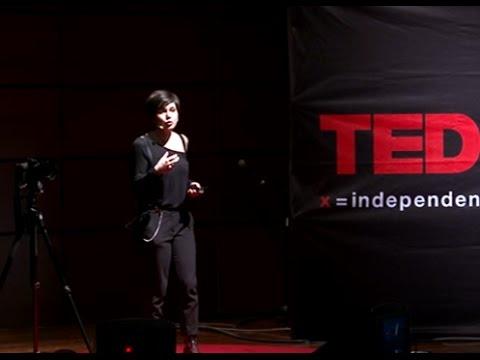 L'autoritratto come opera d'arte e strumento di esplorazione di sé | Rosy Sinicropi | TEDxTorino thumbnail