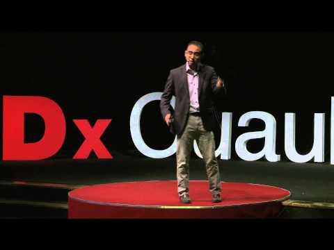 Movilizando-- Creando conciencia sobre derechos humanos | Perseo Quiroz | TEDxCuauhtemoc thumbnail