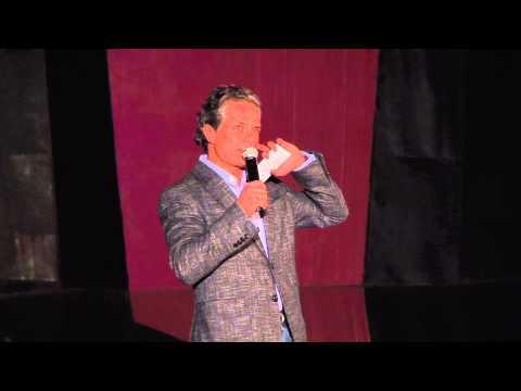 Currículum de un nuevo ciudadano | Arturo Zapata | TEDxDelValle thumbnail