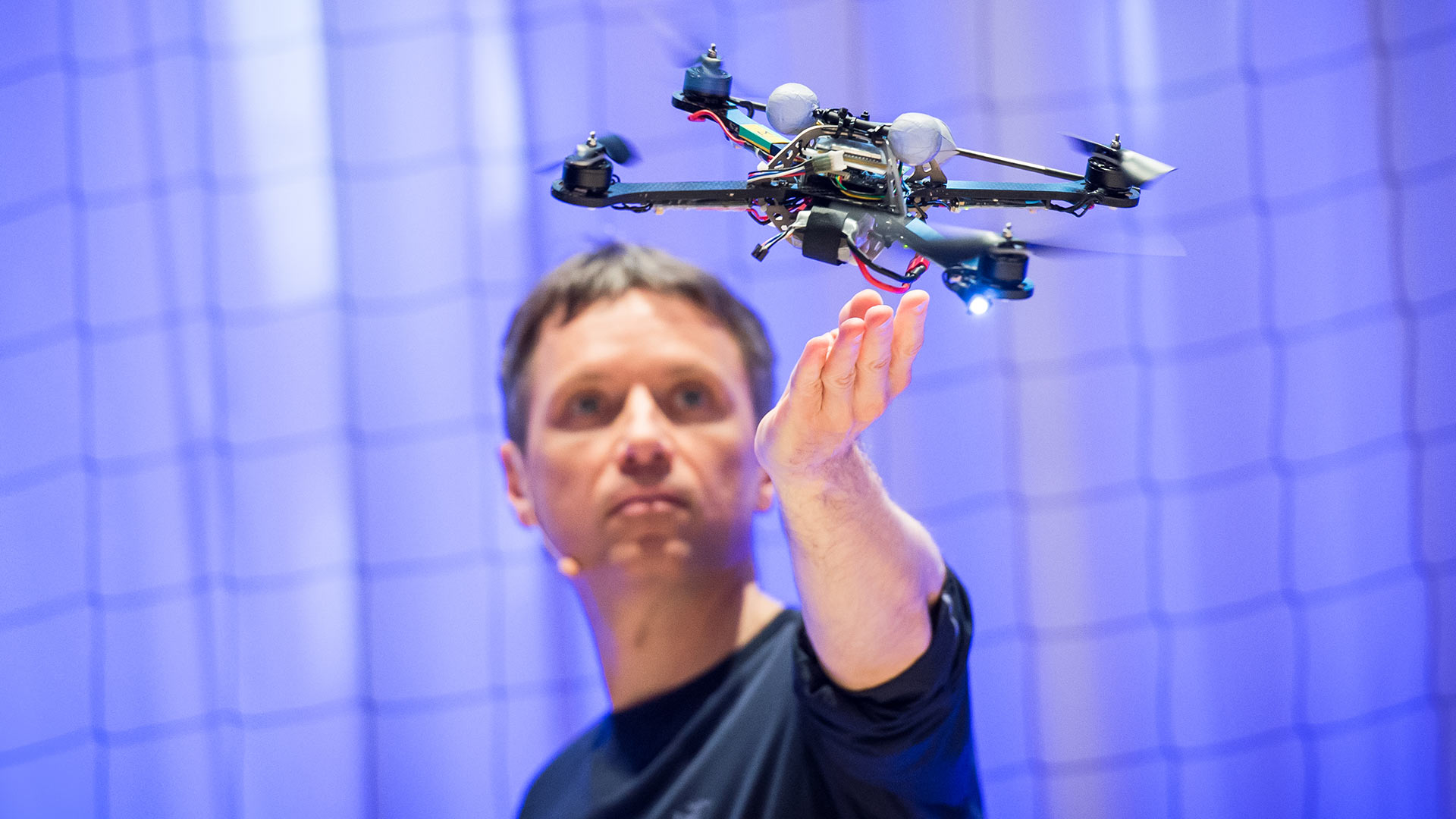Raffaello D'Andrea: The astounding athletic power of quadcopters thumbnail