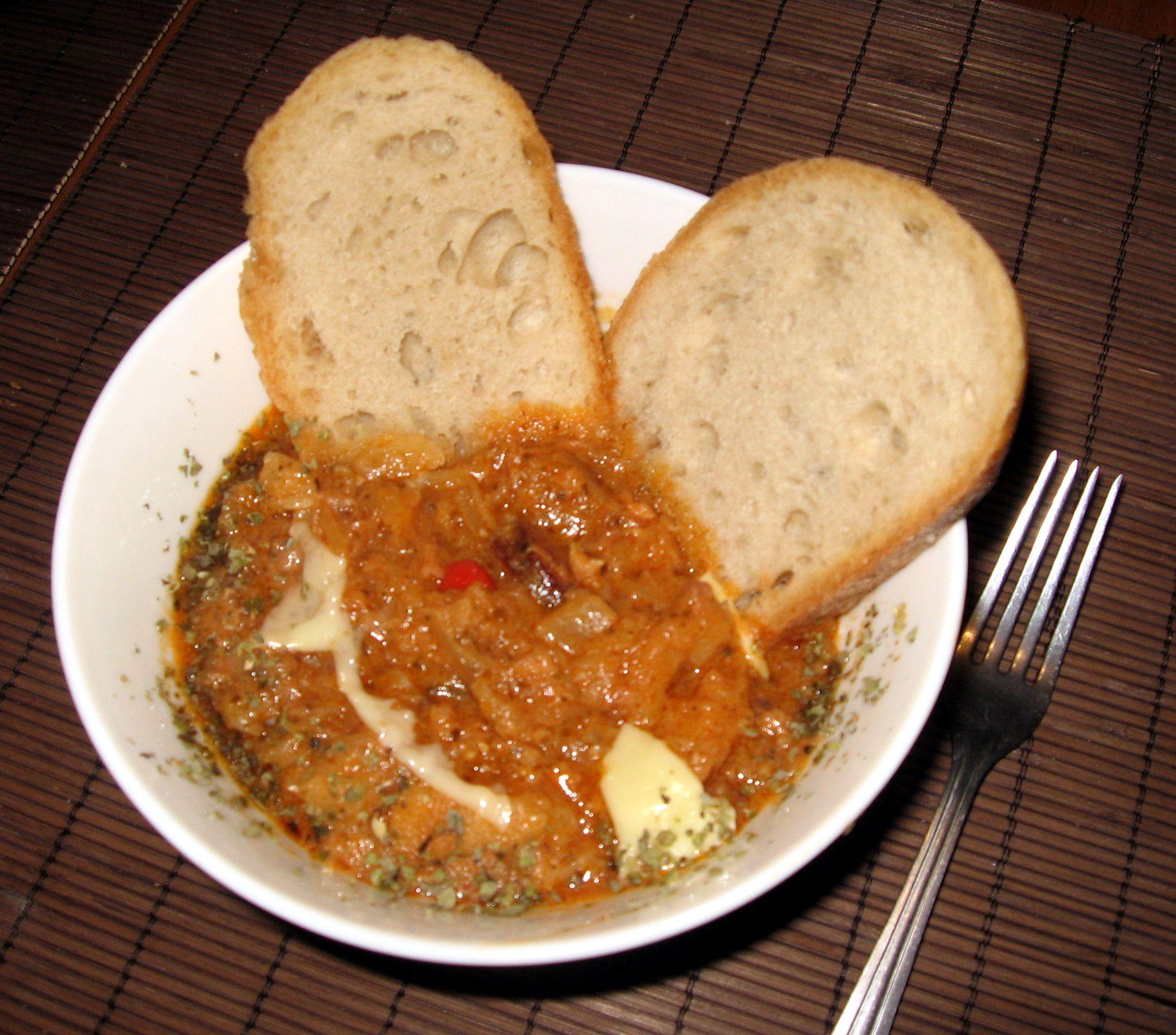 Kapusta w sosie pomidorowym