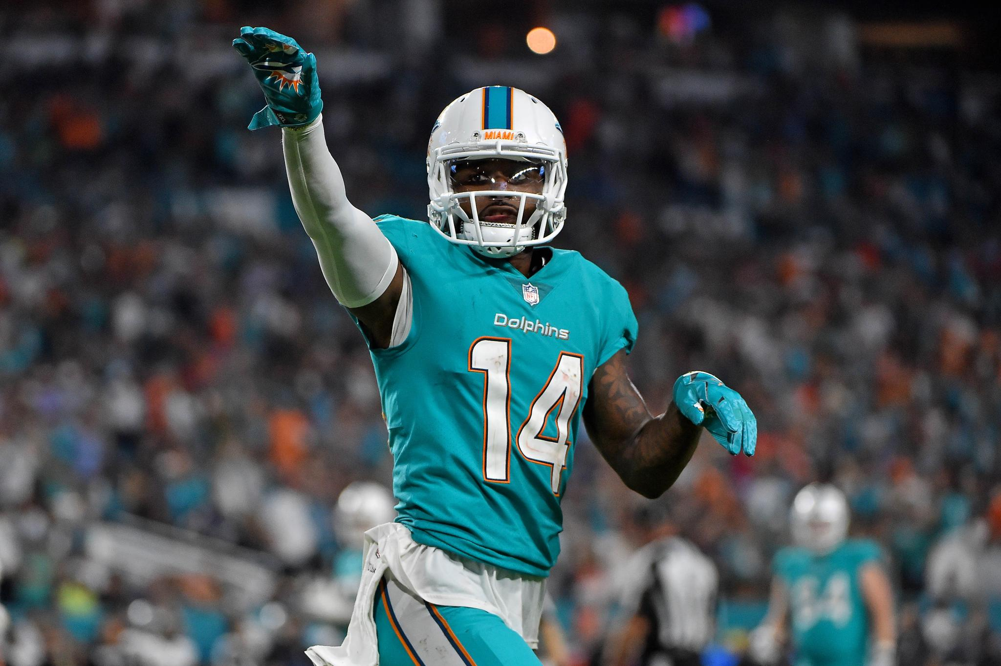 Miami WR Jarvis Landry clarifies guaranteeing 2 wins over Patriots
