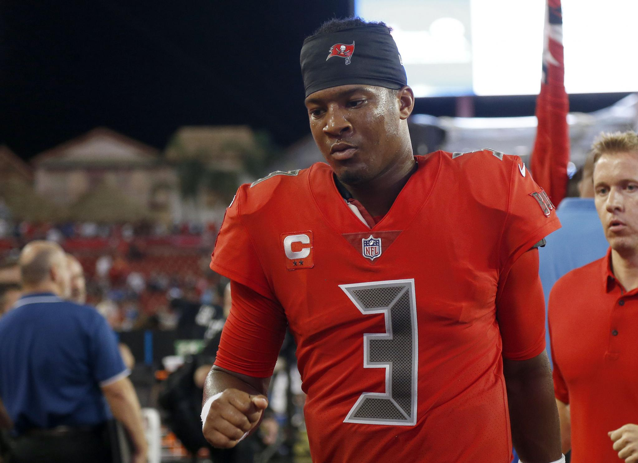 Jameis Winston details conversation with Tom Brady following