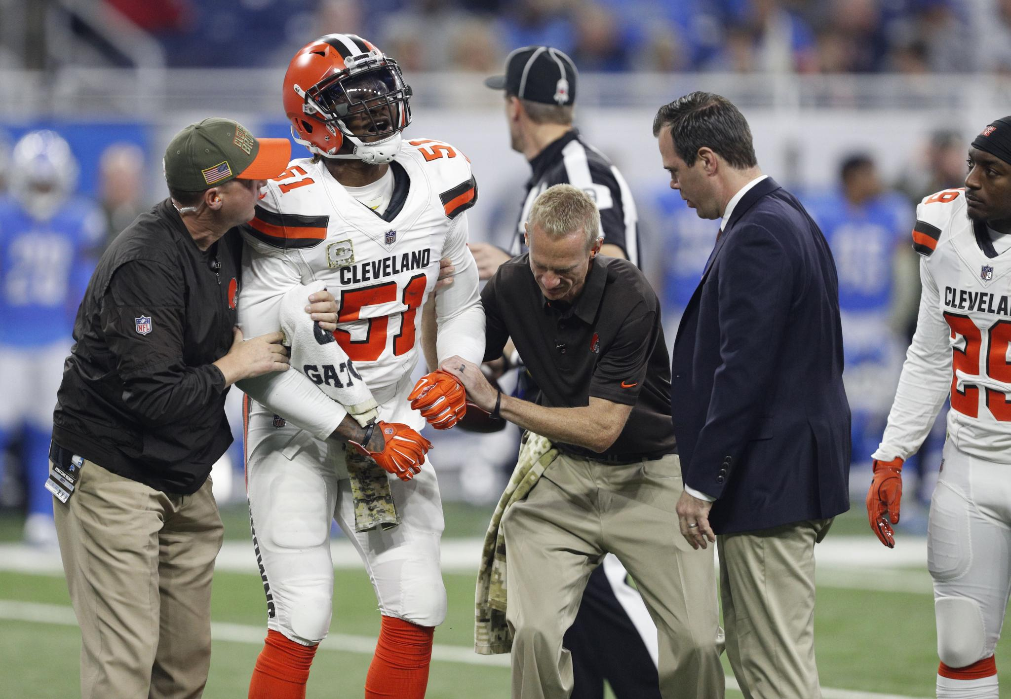 Ex Patriots LB Jamie Collins out for season with torn MCL
