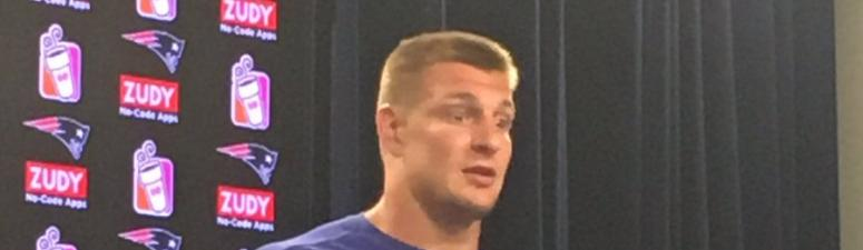 Rob Gronkowski channels inner Bill Belichick when asked about upcoming Mayweather-McGregor fight