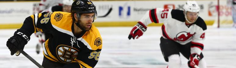 Tommy Cross has been re-signed by the Bruins.