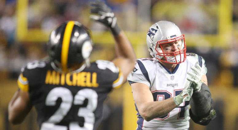 Steelers safety Mike Mitchell and Patriots tight end Rob Gronkowski