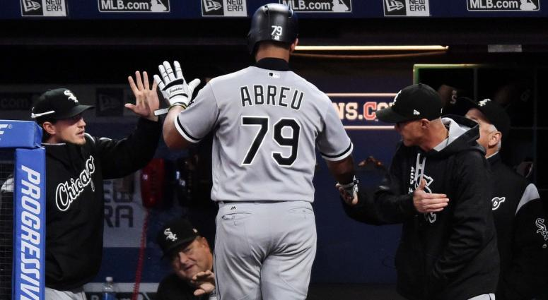 Why Red Sox should be calling on Jose Abreu