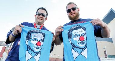 Roger Goodell clown towel signed by Tom Brady auctioned off for $6,500