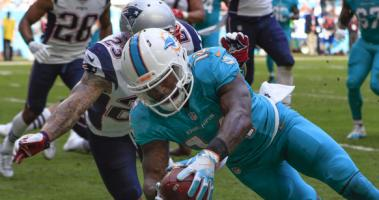 Jarvis Landry scores against the Patriots.