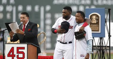Pedro Martinez publishes tribute essay to David Ortiz