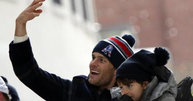 Tom Brady sumo wrestles with son while in Japan