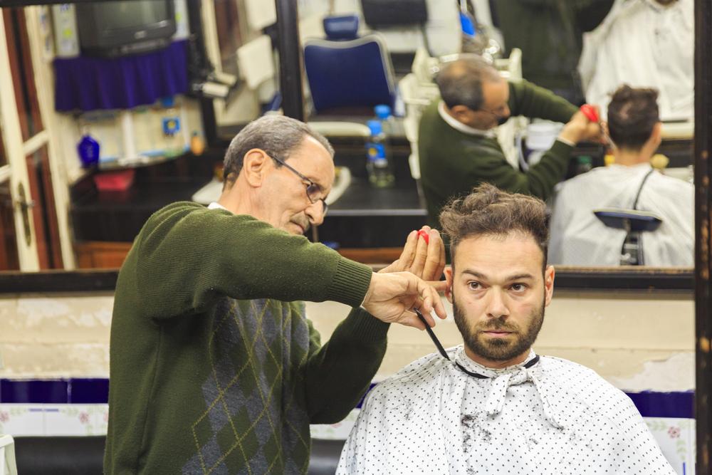 barber shop_351836993
