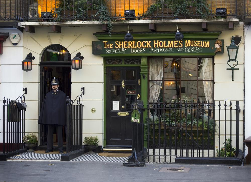 Sherlock Holmes Museum on Baker Street_160069328