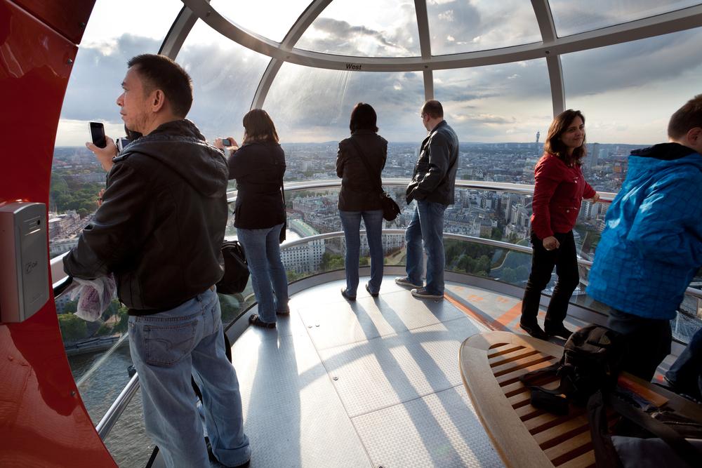 London eye cabin_87165247