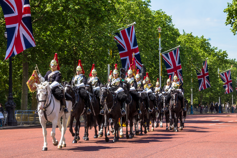 Household Cavalry walk along The Mall_356407283