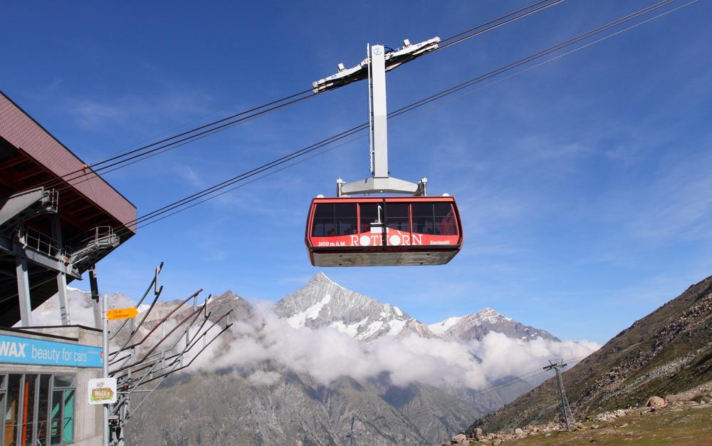 Cable car to Matterhorn mountain_224071663