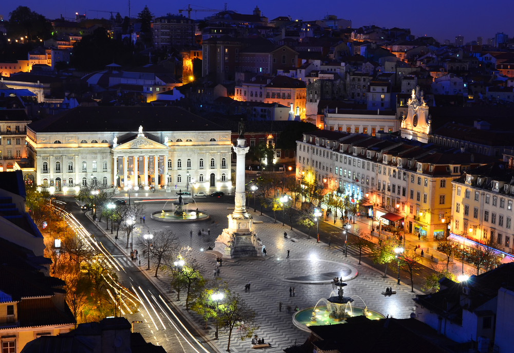 View of Rossio Square at night and Maria II Theatre_102635264