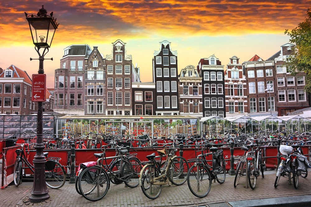 Sunset in Amsterdam_283172087