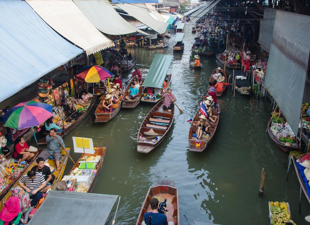 Damnoen Saduak Floating Market_370477391