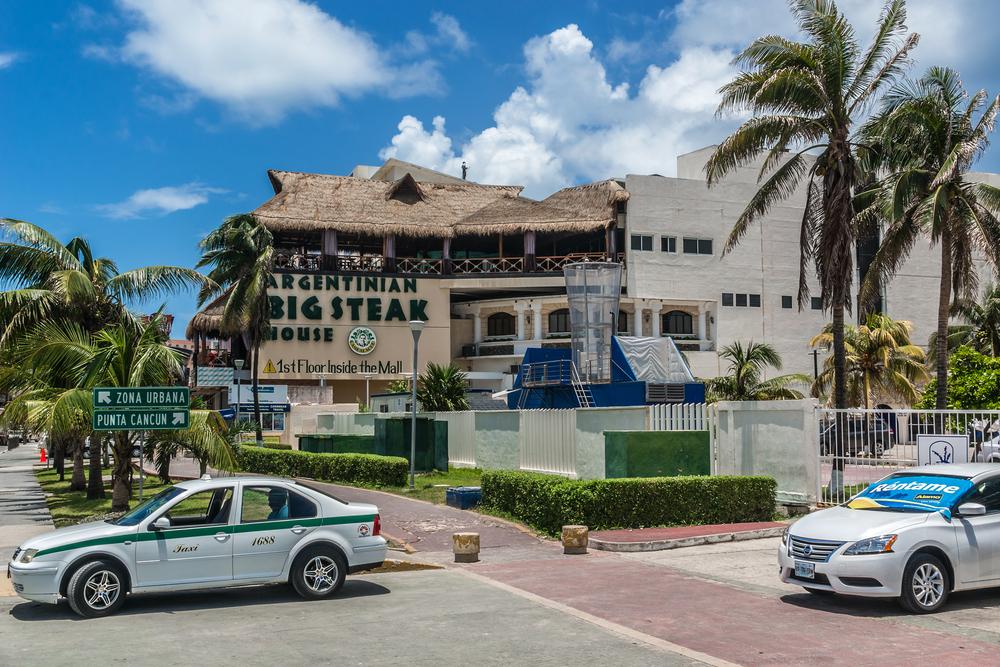 Cityscape of Cancun_325886795