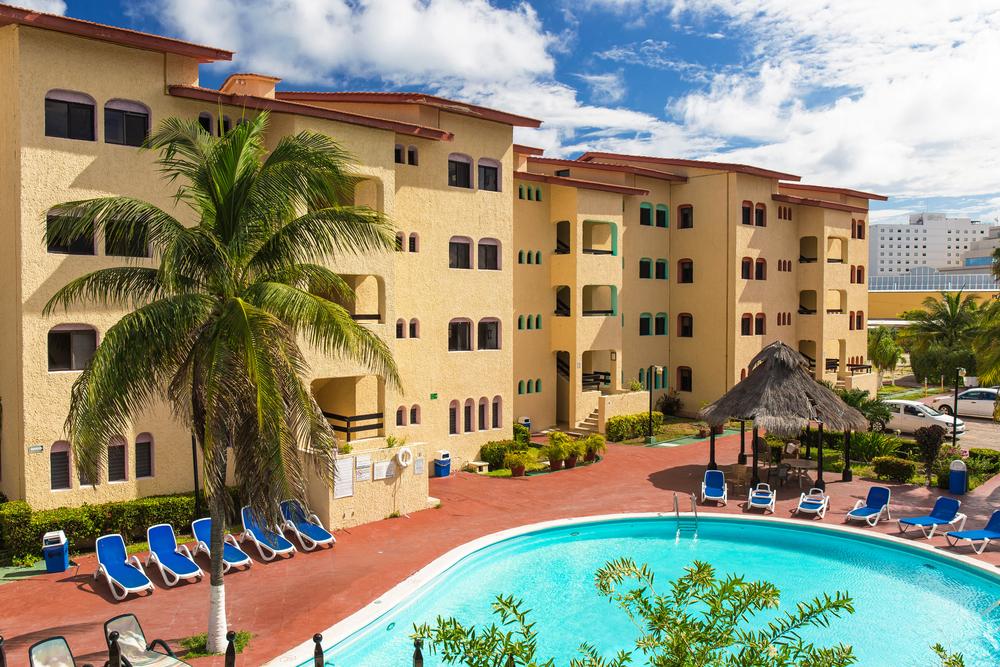 Luxury hotel Cancun Clipper Club_344051204