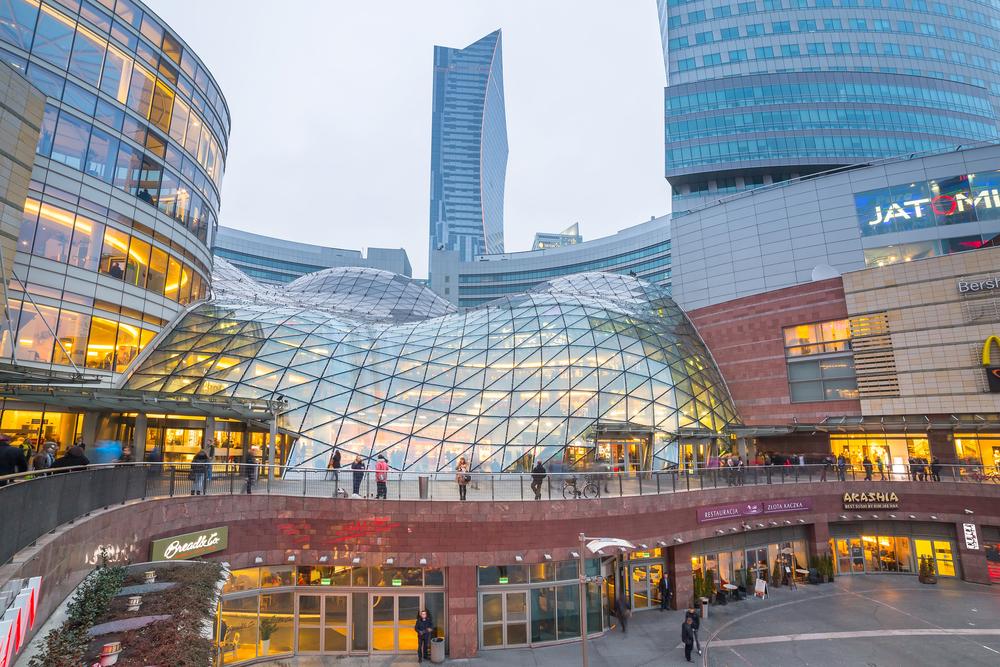Zlote Tarasy shopping center in Warsaw_261278432