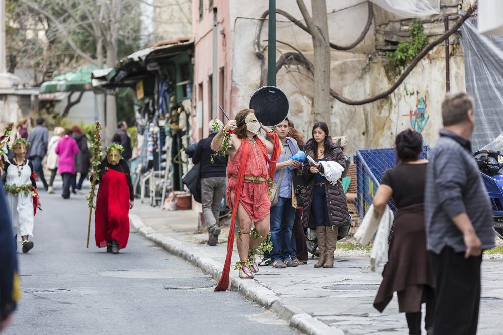 Greeks celebrating carnival_130955486
