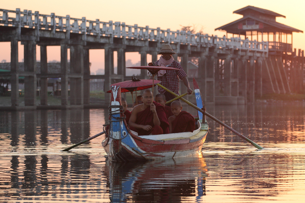 U Bein bridge, Mandalay_410159173