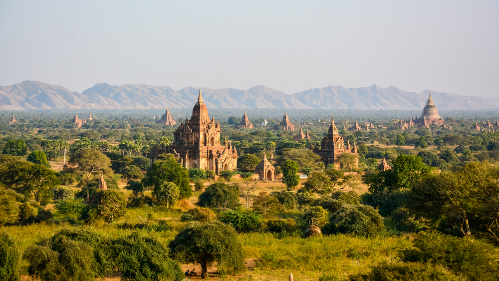 Ancient Land of Bagan from Shwesandaw Temple_409806580