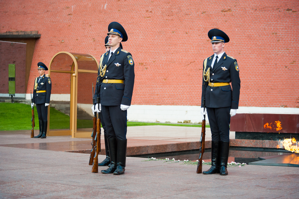 Unknown Soldier at the wall of Kremlin_113798362