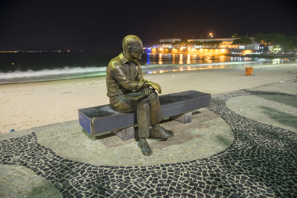 Statue of the poet Carlos Drummond Andrade_388651153