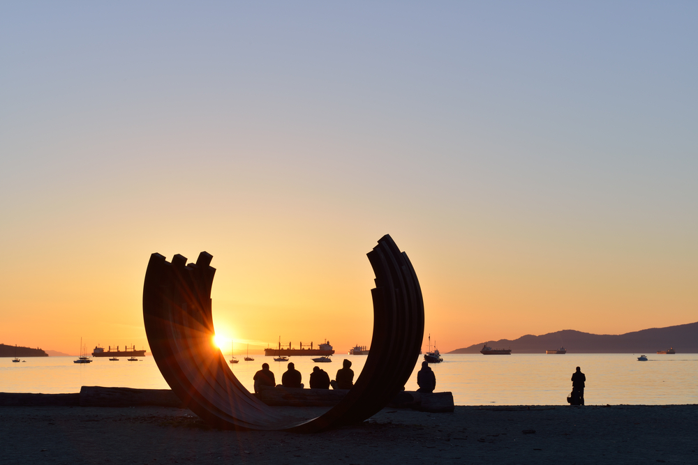 Sunset Beach Park and English Bay by downtown Vancouver_134000648