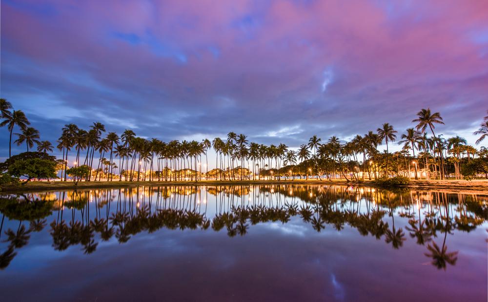 Ala Moana Beach Park west of Waikiki, Oahu, Hawaii_390848902