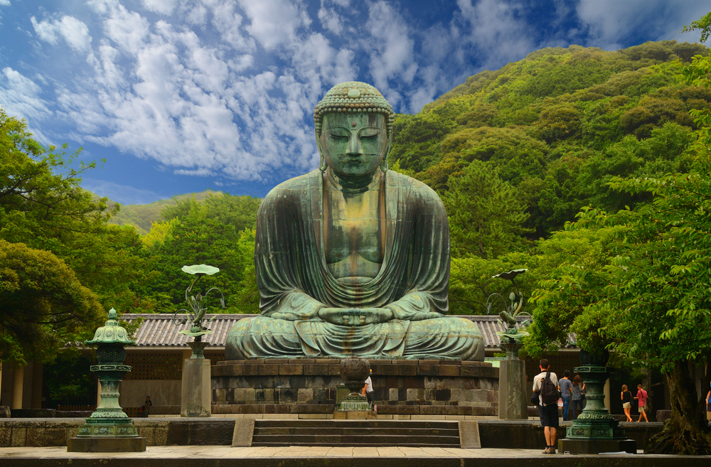 Great Buddha (Daibutsu) on the grounds of Kotokuin Temple in Kamakura_93069328