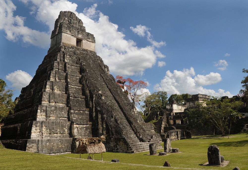 ancient mayan ruins_105674420