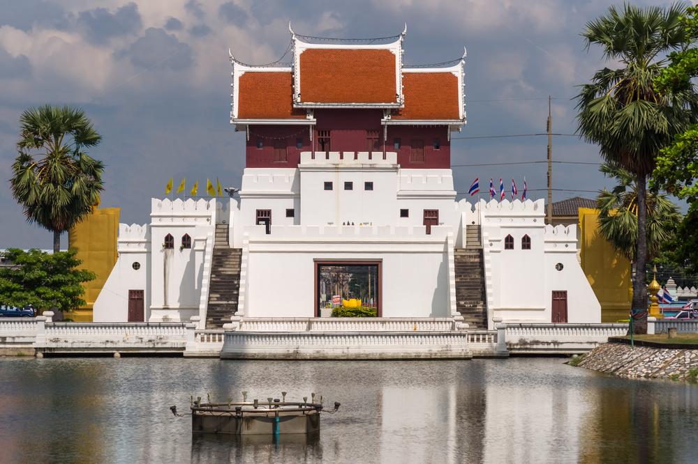 Nakhon Ratchasima (Korat) behind the water-filled moat_127765562