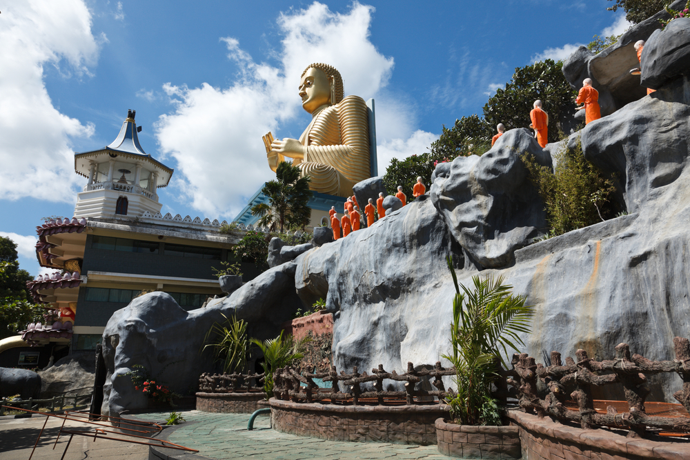 Gold Buddha temple, Dambulla, Sri Lanka_65617750