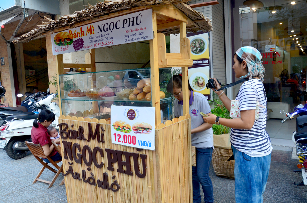 Ben Thanh Market_406868689
