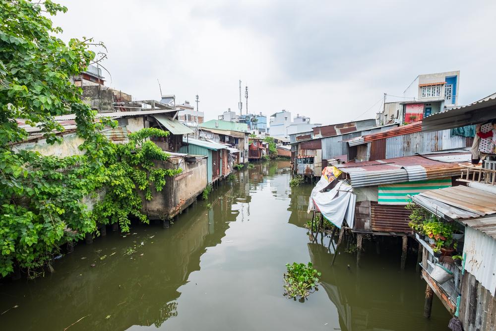 slums in Ho Chi Minh City beside Saigon River_433556821