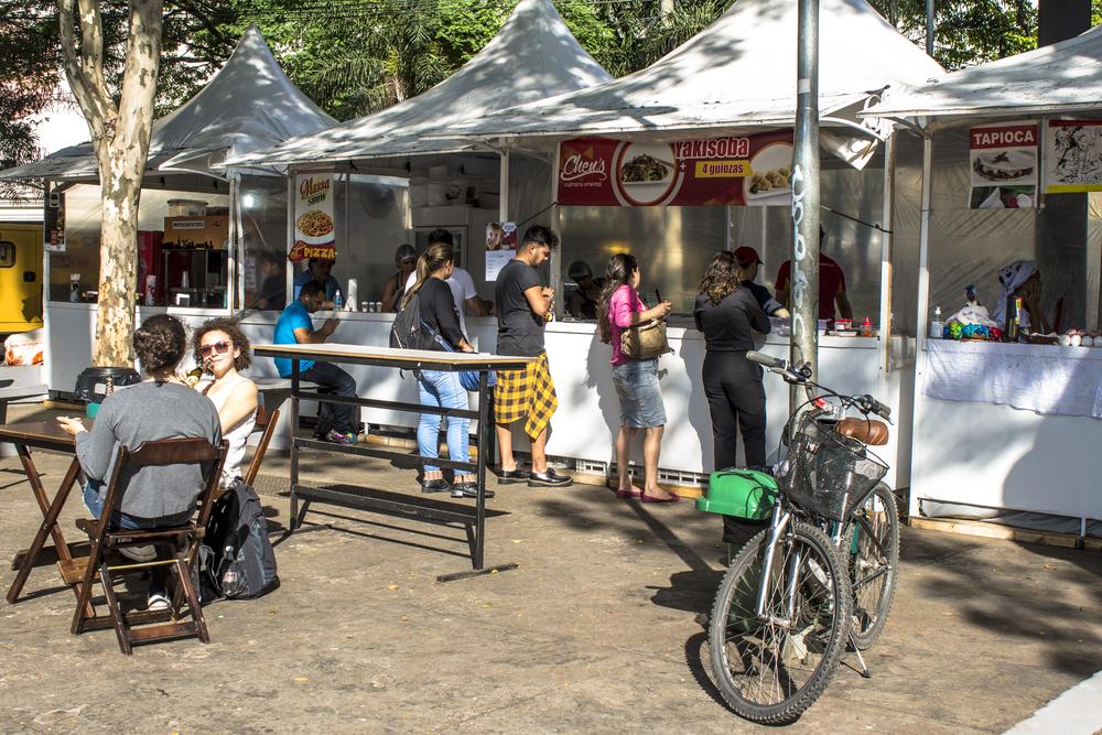 Gastronomic fair in Oswaldo Cruz Square_335401154
