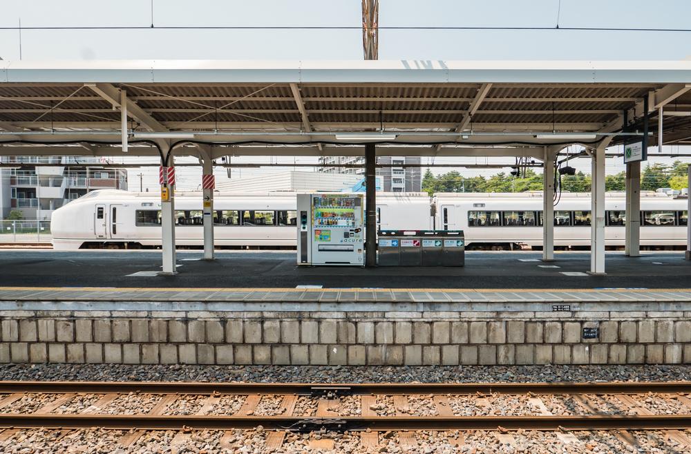 Katsuta Station_472934770