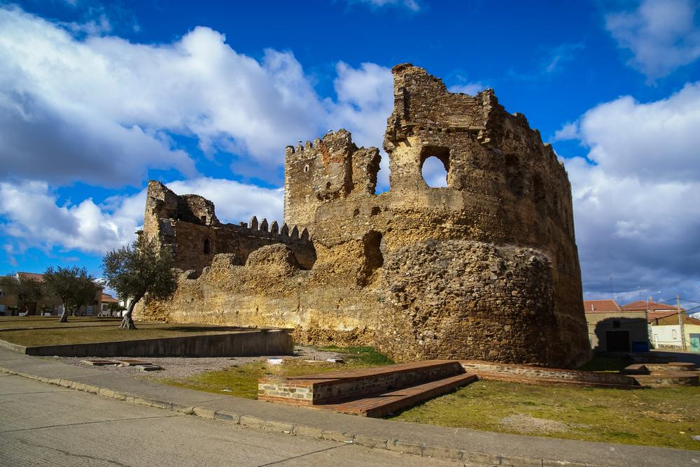 castle-in-laguna-de-negrillos_483354949