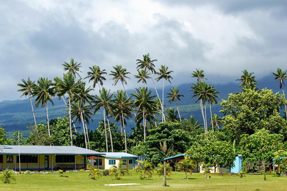 typical-fijian-house-in-lavena-village-on-taveuni-island_525876094