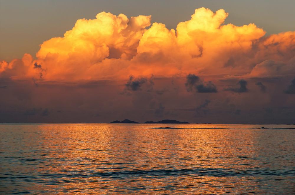 somosomo-strait-seen-from-taveuni-island_525028843