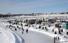 Village sur glace de roberval saguenay  lac saint jean small