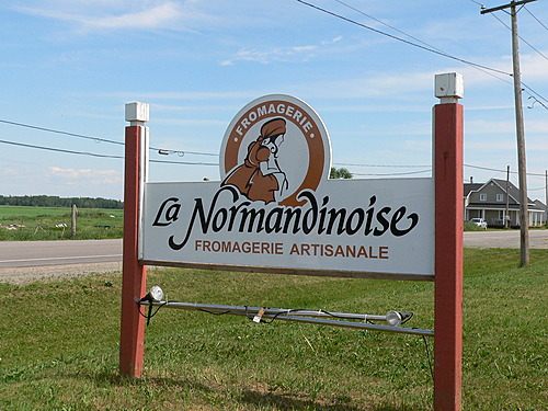 Pancarte fromagerie la normandinoise  c  ghislaine lalande.jpg small