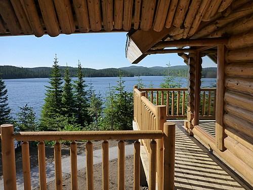 Pnd monts valin   calet avec vue sur un lac small