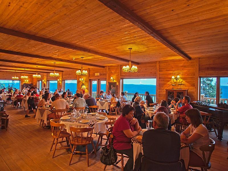 Restaurant pourvoirie cap au leste canada  copier  big
