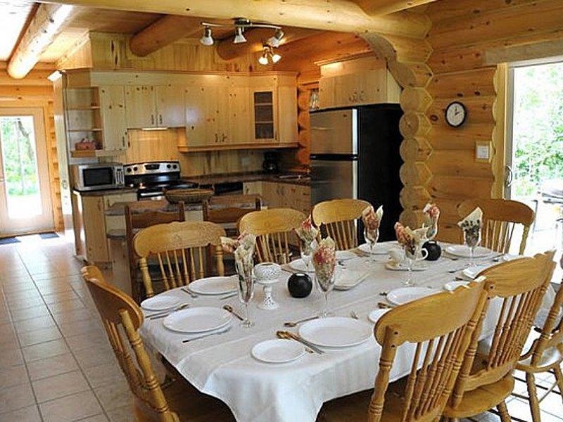 Cuisine chalet chambord   chalets et spa lac st jean   tourisme saguenay lac st jean big